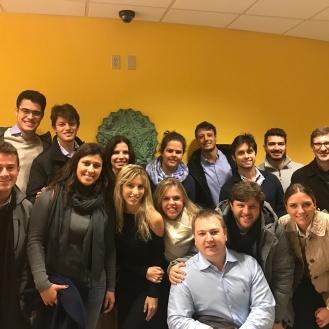 Turma do IEE no Consulado do Brasil